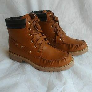 Beautiful Cognac color work boots lace up closure